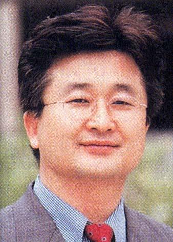 윤효진 교수님 사진