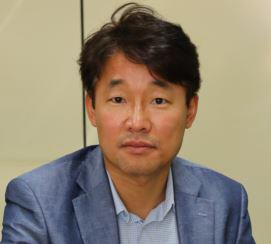 홍성철 교수 사진
