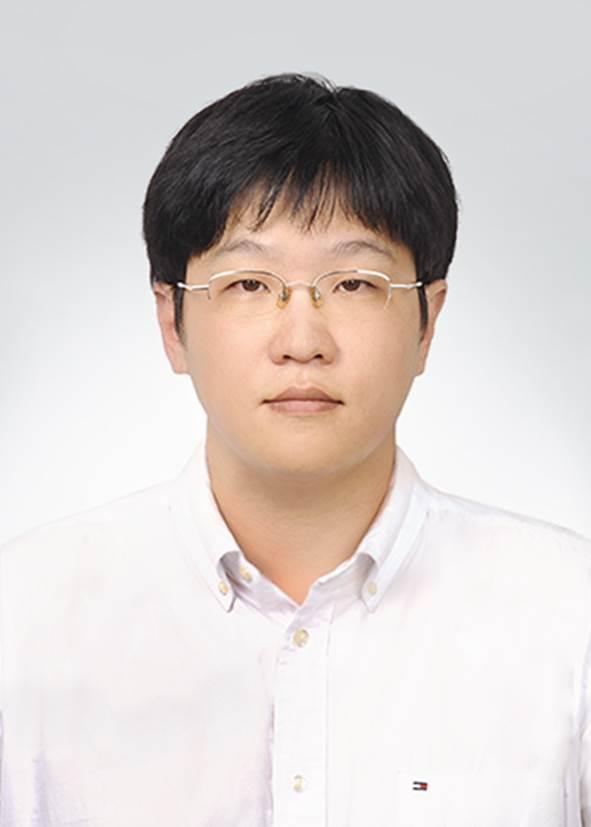 성시일 교수 사진