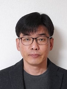 강진웅 교수 사진
